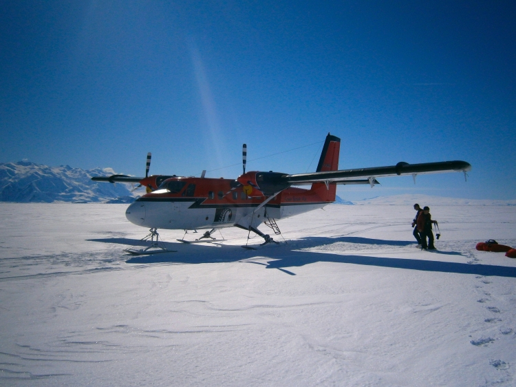 Epic Twin Otter with Mark, Scott, Lee and the Transantarctic Mountains in the background
