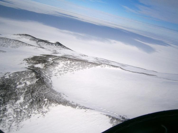 More mountainous tundra near White Island